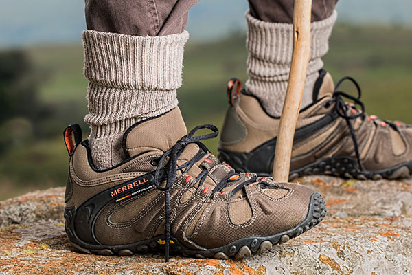 hiking travel shoes